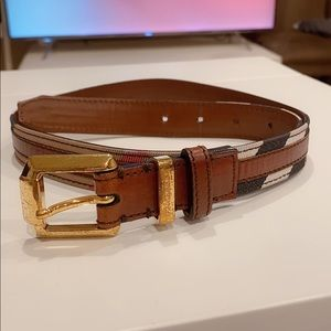 Burberry Women's belt 28/70cm